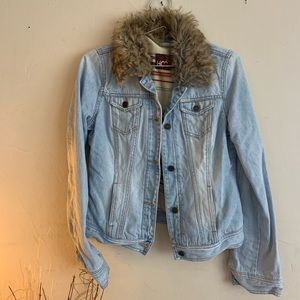 Vintage HCO light denim/ fur jacket Sz Medium